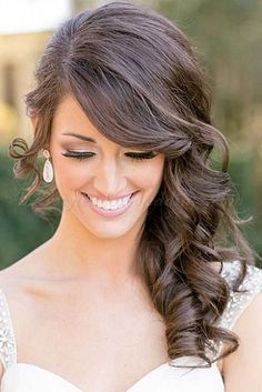 hottest-bridesmaids-hairstyles-for-long-hair