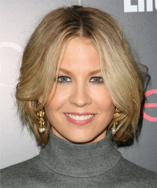 jenna-elfman-medium-straight-bob-hairstyle