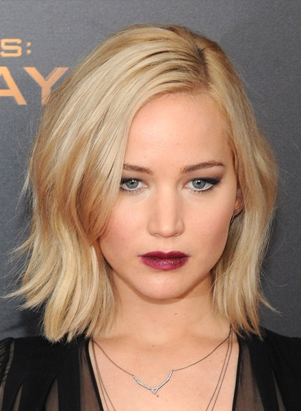 jennifer-lawrence-medium-straight-hairstyle