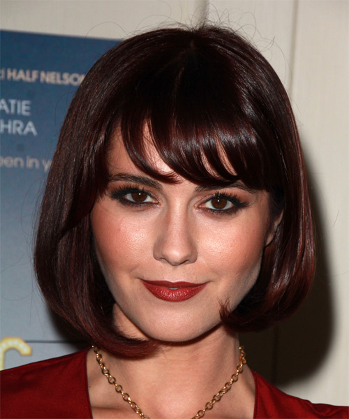 mary-elizabeth-winstead-medium-straight-bob-hairstyle