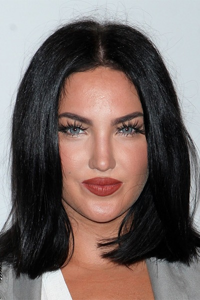 natalie-halcro-medium-straight-bob-hairstyle