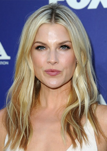 ali-larter-long-straight-hairstyle