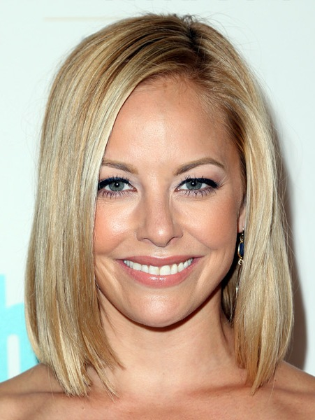 amy-paffrath-medium-straight-bob-hairstyle