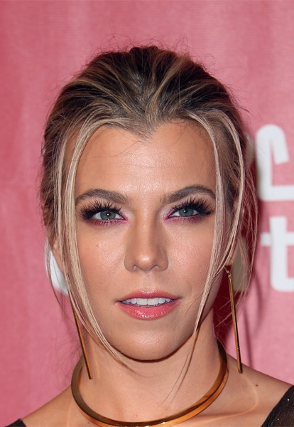 kimberly-perry-casual-straight-updo-hairstyle