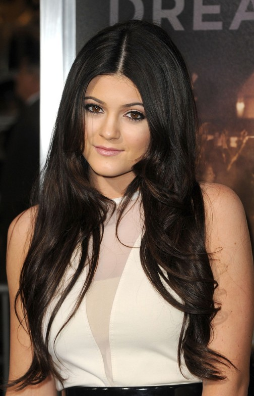 30 Cute And Classy Ways To Wear Center Part Hairstyles Haircuts