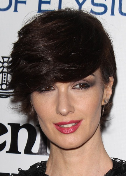 paz-vega-short-straight-hairstyle