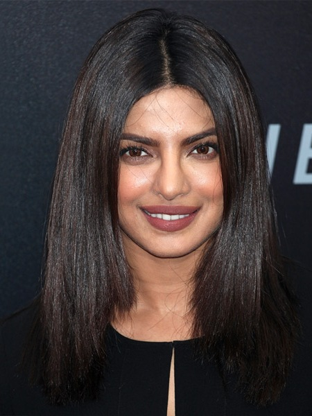 priyanka-chopra-long-straight-bob-hairstyle