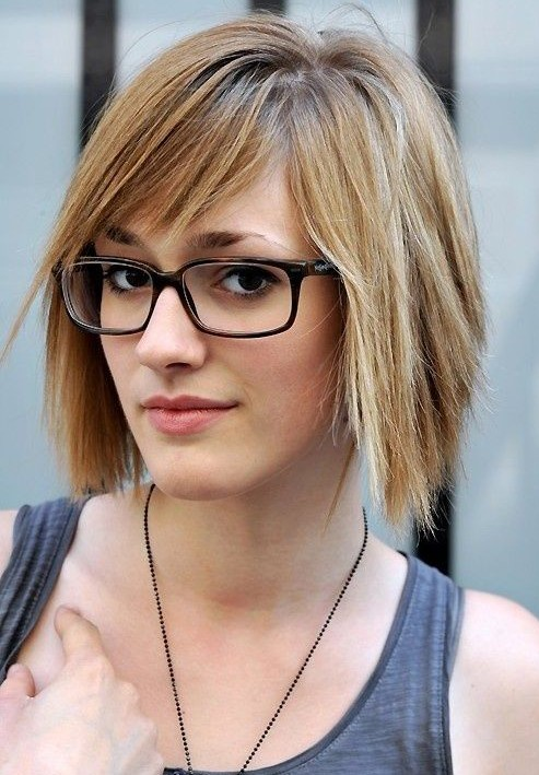 short-hairstyles-for-the-office-straight-hair