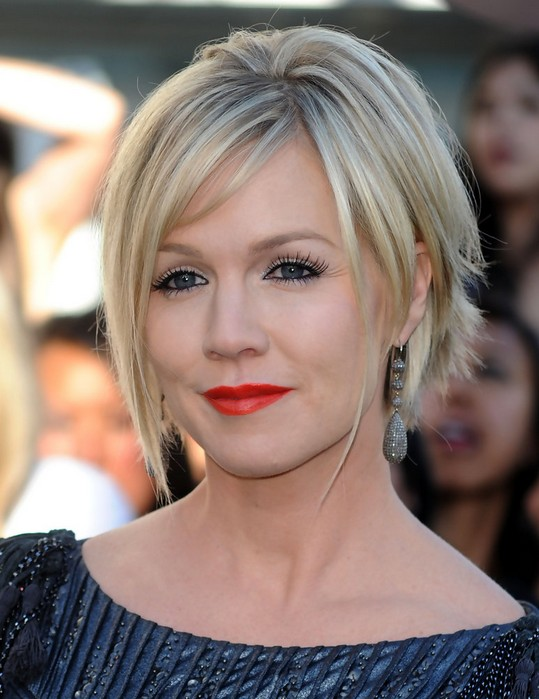 short-and-choppy-hairstyles-for-edgy-women