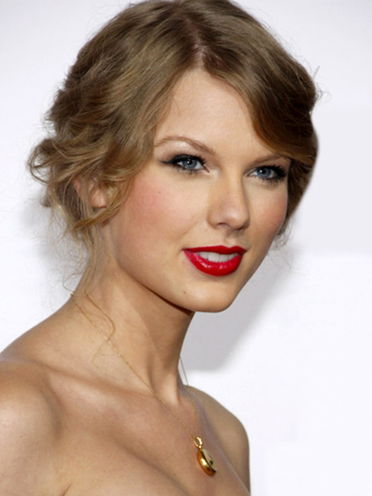 taylor-swift-updo-hairstyles