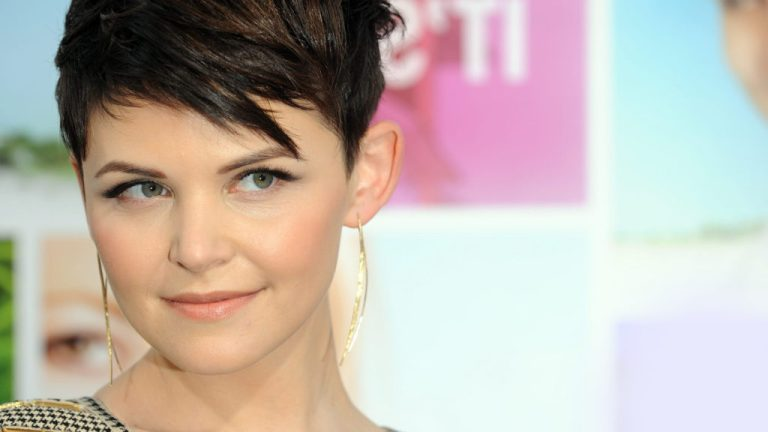 trendy-short-hairstyles-for-round-faces