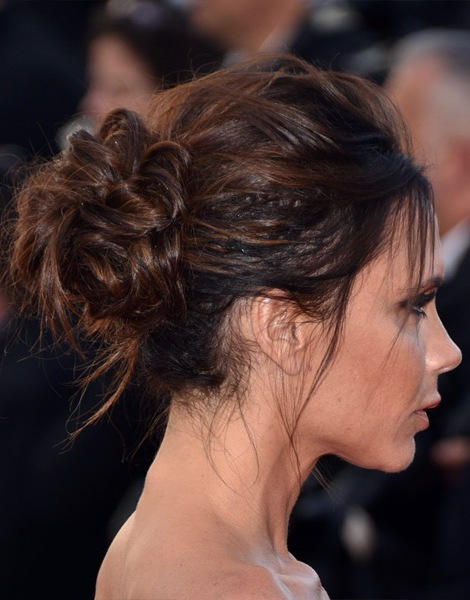 victoria-beckham-casual-straight-updo-hairstyle