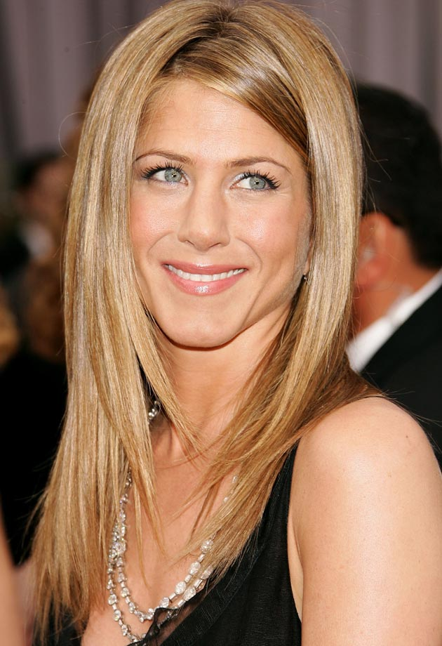 jennifer-aniston-dark-blonde