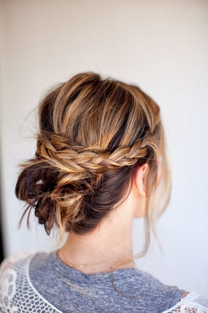 messy-braid-bun