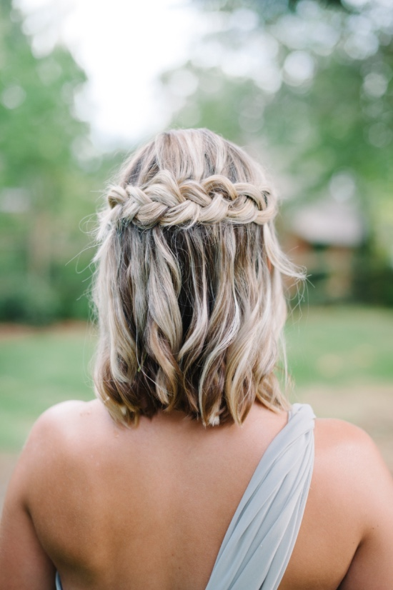 medium-hair-half-up-half-down