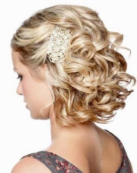 short-prom-hairstyle-with-accessories