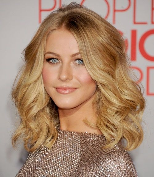 Curled Medium Wavy Hairstyles
