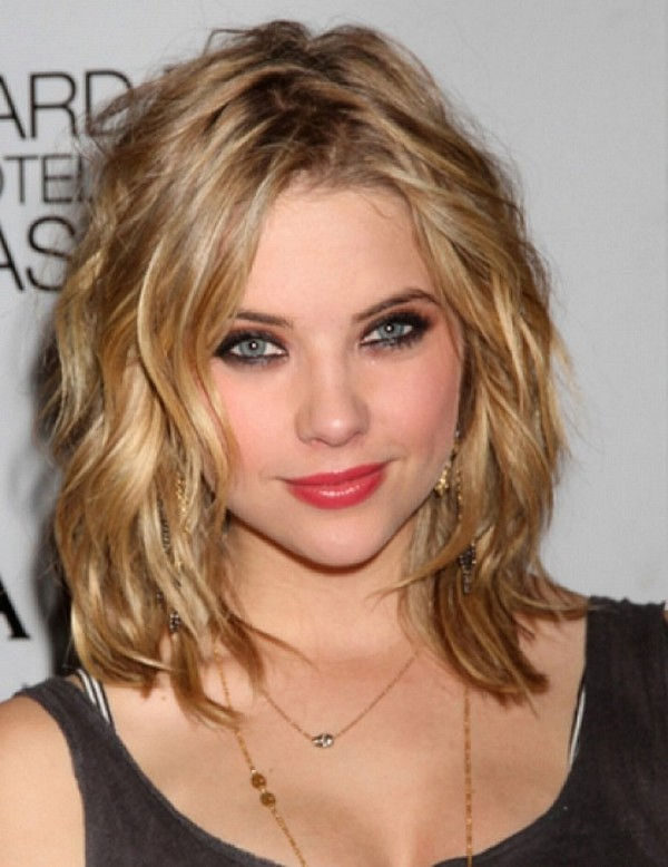 30 Medium Short Hairstyles For Thicker Hair With Layers Women