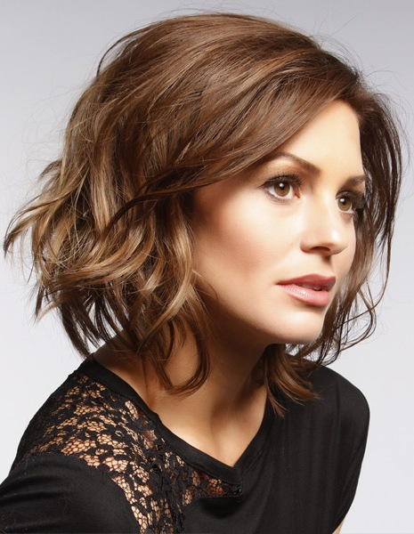 Short Wavy Casual Hairstyle