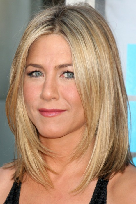 Jennifer Aniston's Shoulder Length Bob