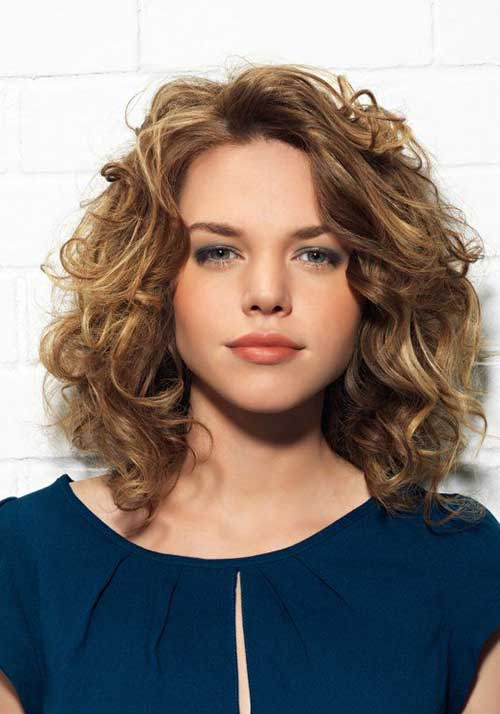Shoulder Length Curly Hairstyle