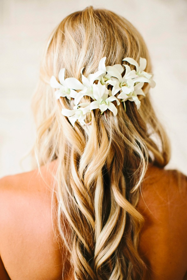 Tropical Wedding Hairstyle with Curls