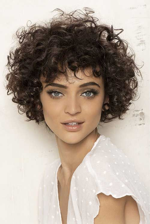 25 Awesome And Latest Short Haircuts For Curly Hair Haircuts