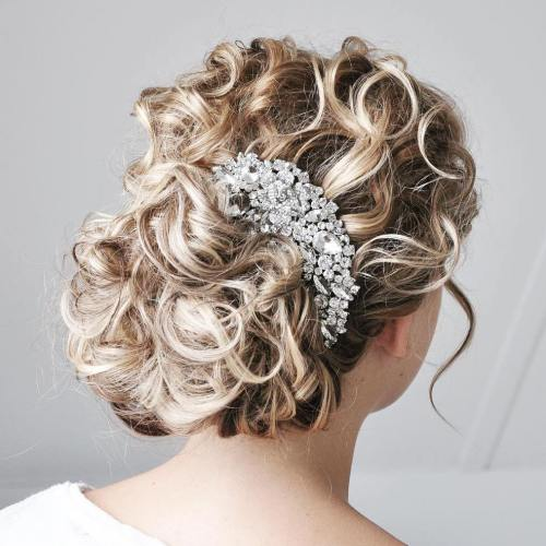 Wedding Hairstyles Down Curly: 25 Most Elegant Looking Curly Wedding Hairstyles