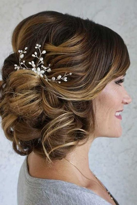 27 Elegant Looking Mother Of The Bride Hairstyles Haircuts
