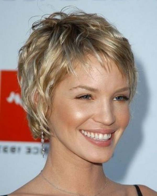 30 Easy Short Hairstyles For Women To Appear As Diva Haircuts