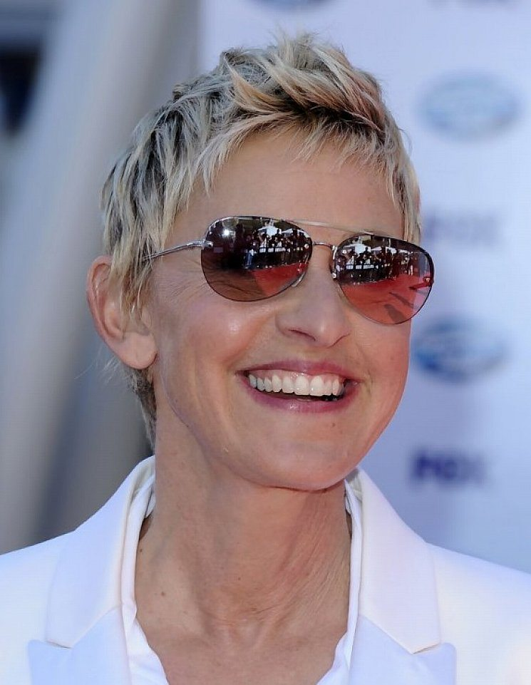 32 Hairstyles For Women Over 60 To Look Stylish Haircuts
