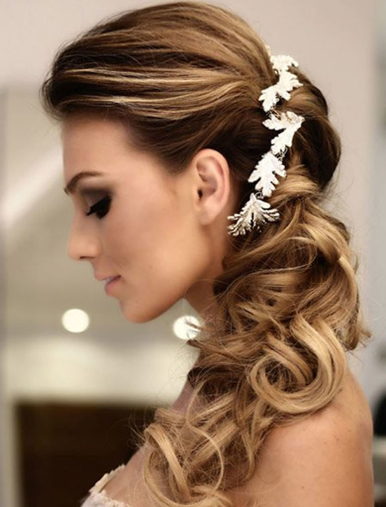30 Wedding Hairstyles For Women In 2018 Appear Elegant And Classy