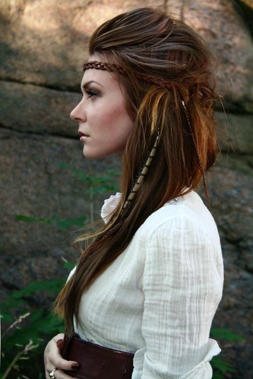 Bohamian Hairstyle with Braided Headband