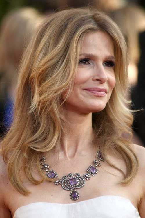 30 Long Hairstyles For Women Over 50 Look Trendy And Fashionable