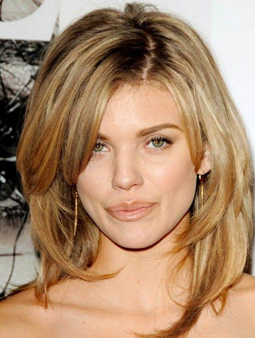 Medium Blonde Shag Haircut with Layers