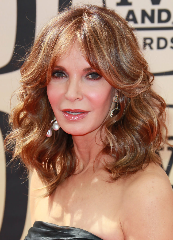 15 Hairstyles For Women Over 50 With Bangs Haircuts Hairstyles 2019