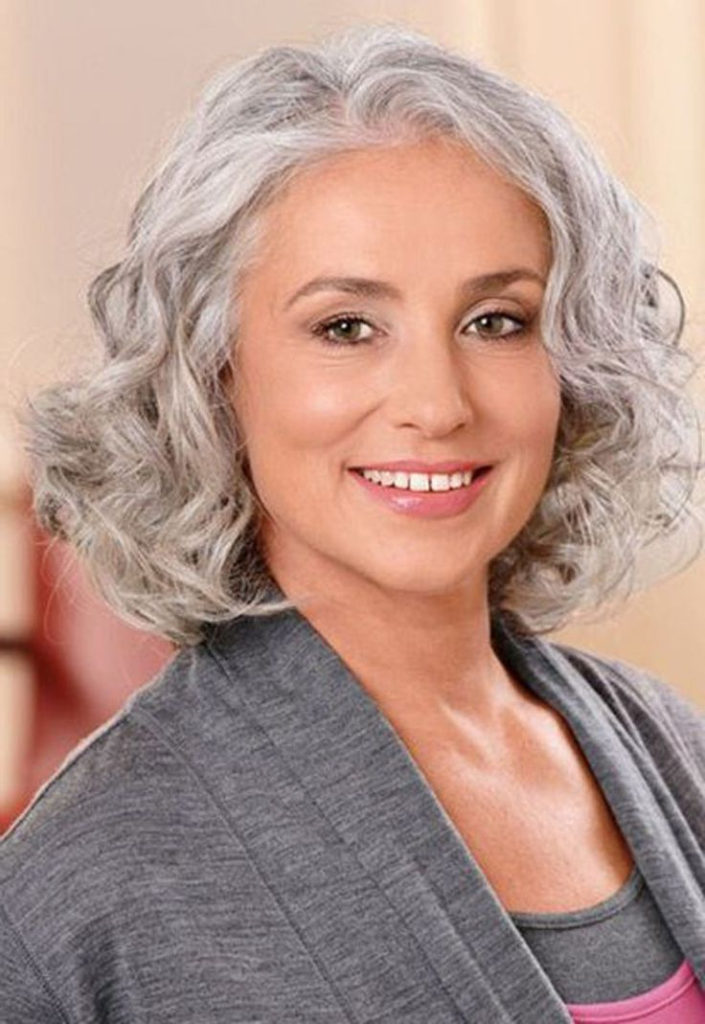 15 Hairstyles For Women Over 50 With Round Faces Haircuts