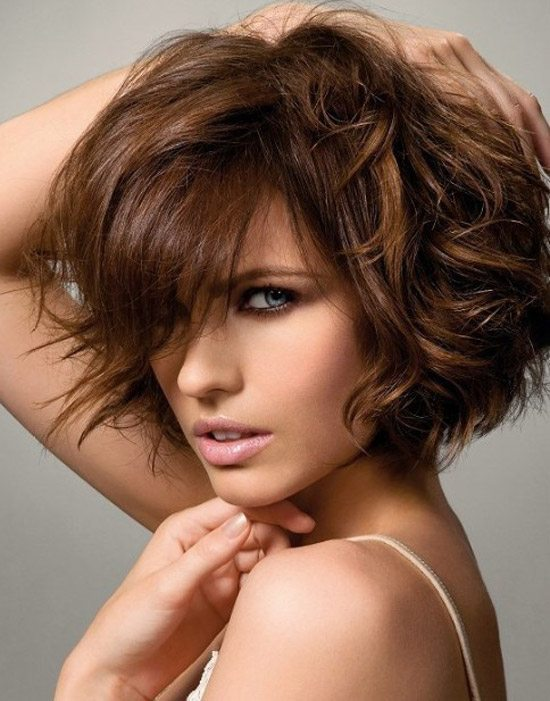 Voluminous Messy Wavy Bob Haircut