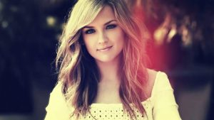 25 Blonde Highlights For Women To Look Sensational