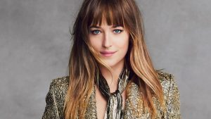 25 Latest Medium Hairstyles With Bangs For Women