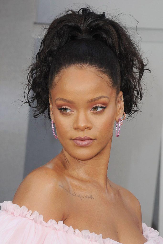 Rihanna Hairstyles 32 Best Rihanna Hair Looks Of All Time