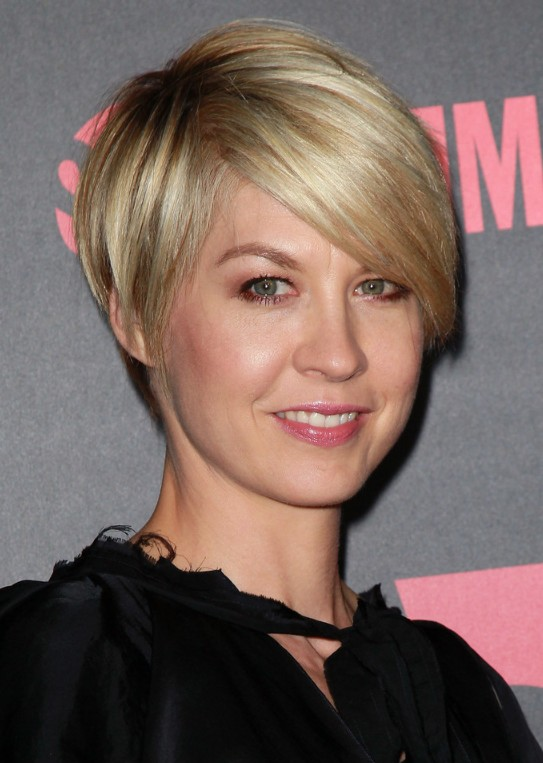 18 Impressive Side Swept Short Hairstyles For Women Haircuts