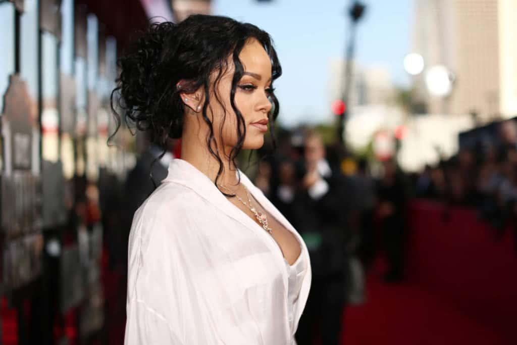 Rihanna Hairstyles – 32 Best Rihanna Hair Looks of All Time