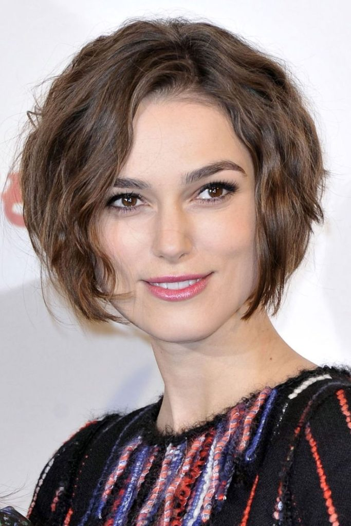 18 Marvelous Hairstyles for Thick Wavy Hair - Haircuts & Hairstyles 2020