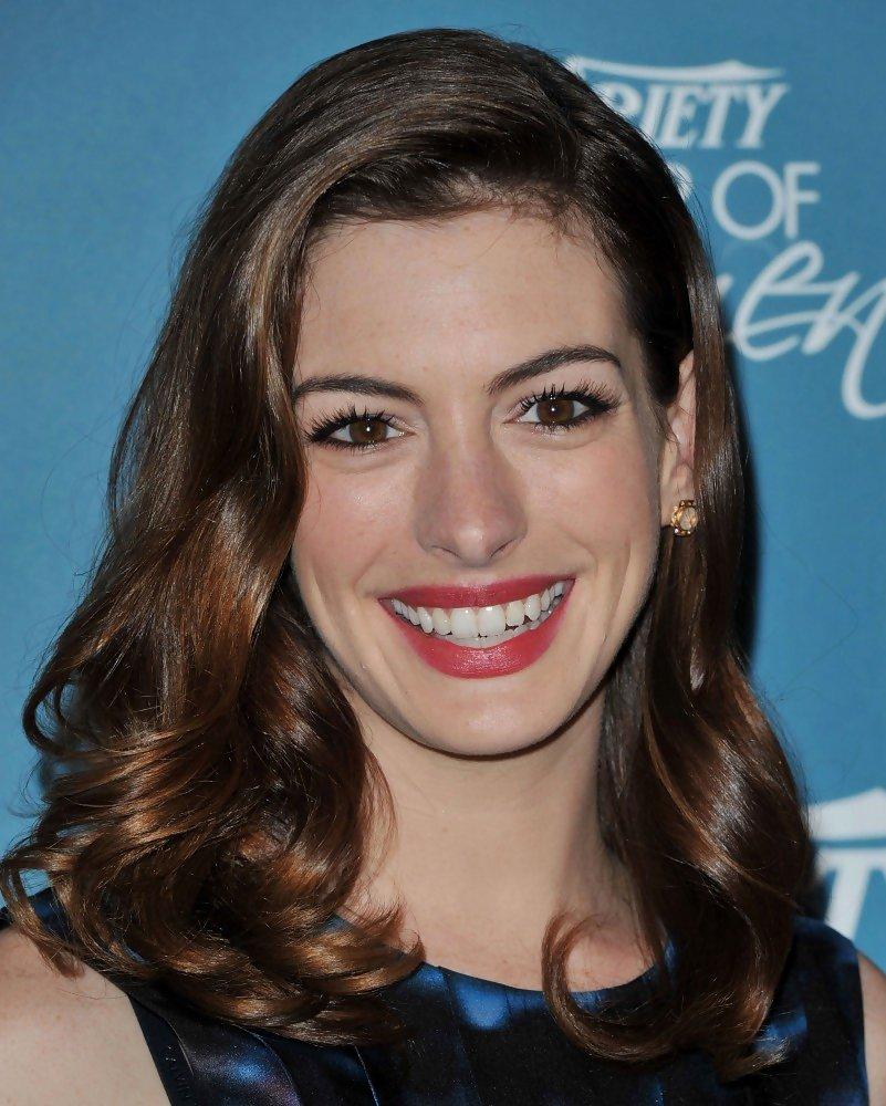 Anne Hathaway Haircut (11)