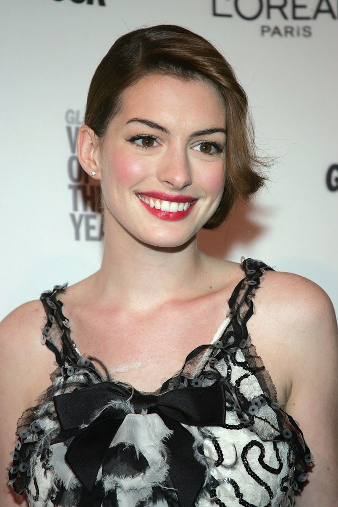 Anne Hathaway Haircut (13)