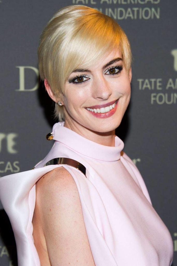 Anne Hathaway Haircut (20)