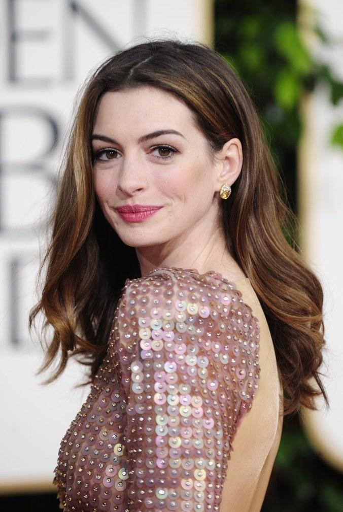 Anne Hathaway Haircut (22)