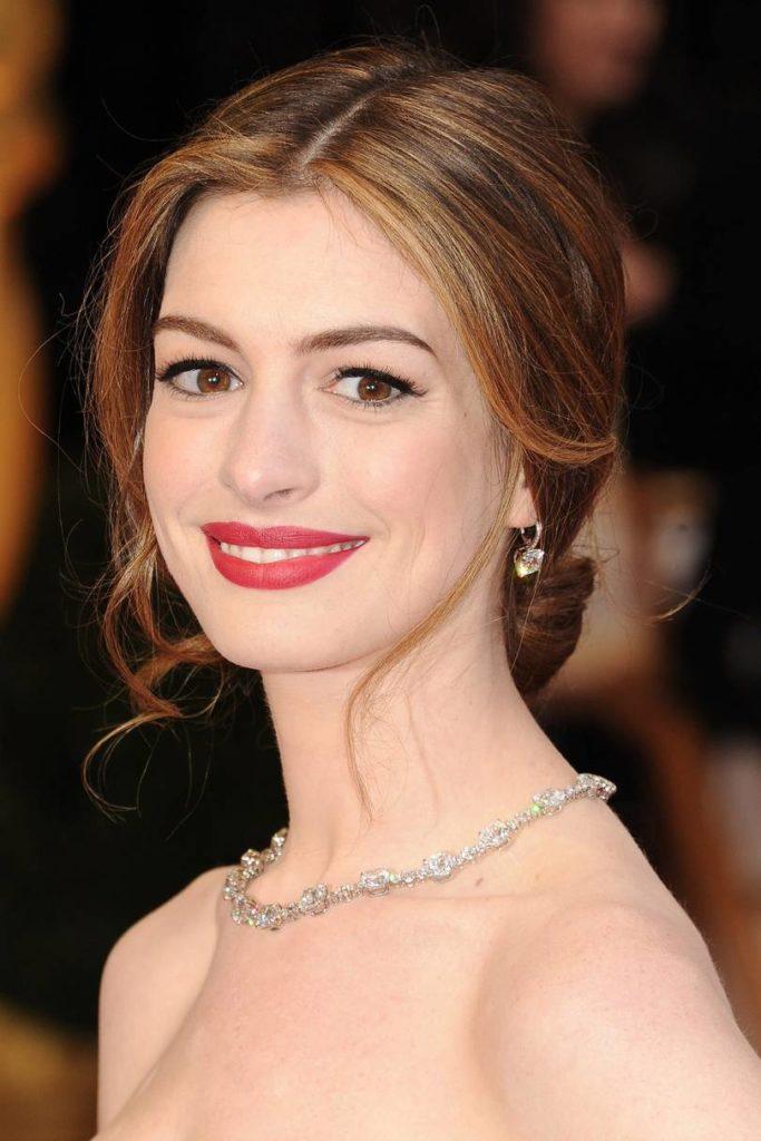 Anne Hathaway Haircut (25)