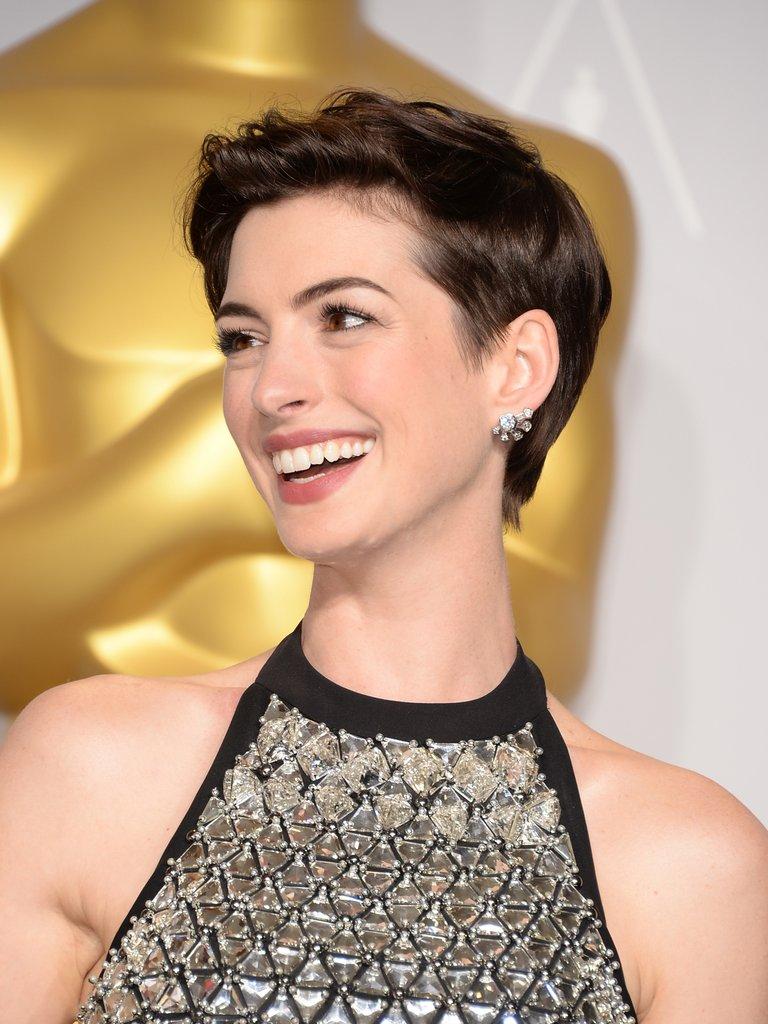 Anne Hathaway Haircut (9)